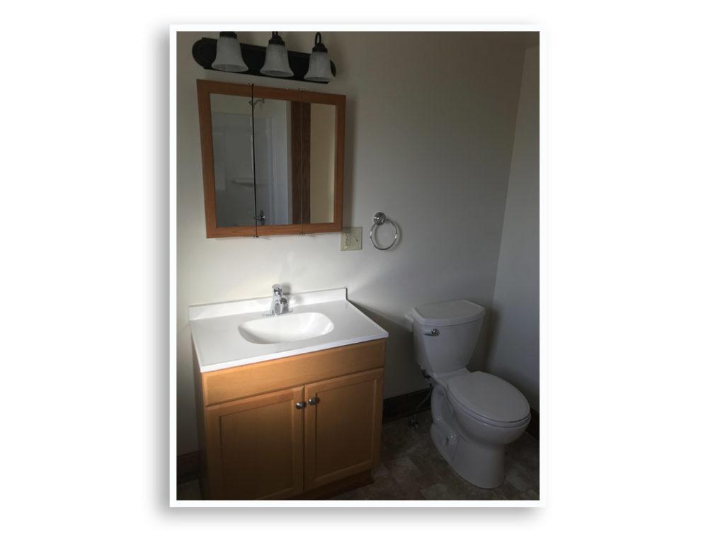 02C_185 Gillette St._Bathroom_Cropped