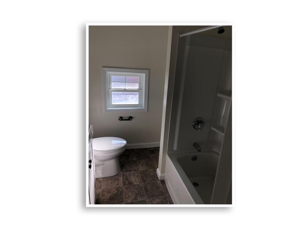 01G_101 Sterling bathroom 2_Display Pages