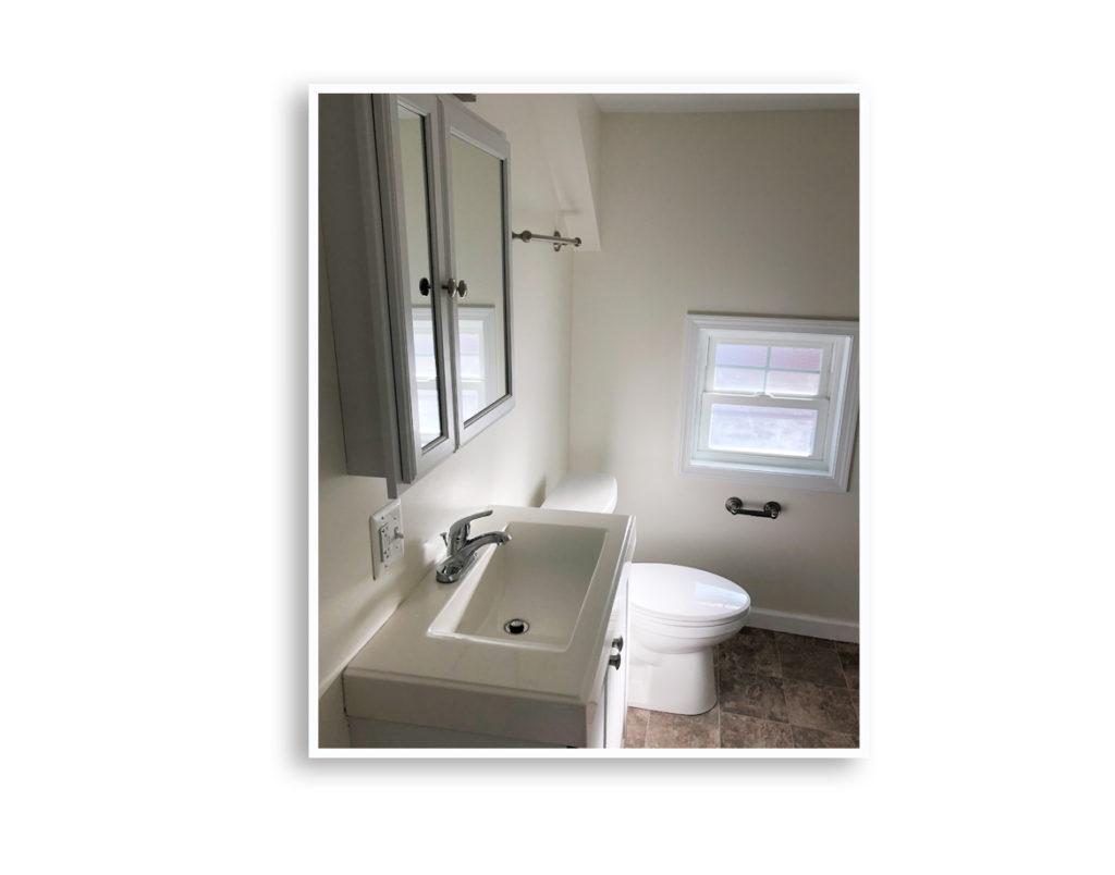 01H_101 Sterling bathroom 3_Display Pages