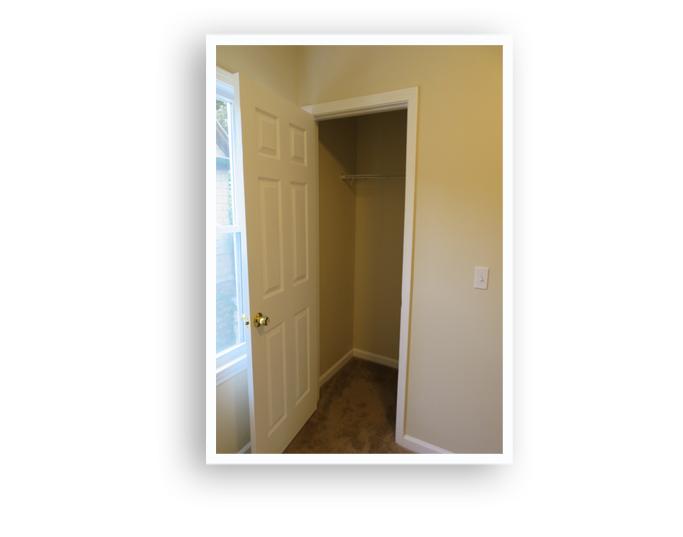 51 Ferndale_closet