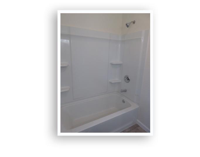 D_84 Melville_First floor bath 2