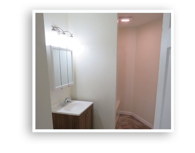 E_84 Melville_Bathroom